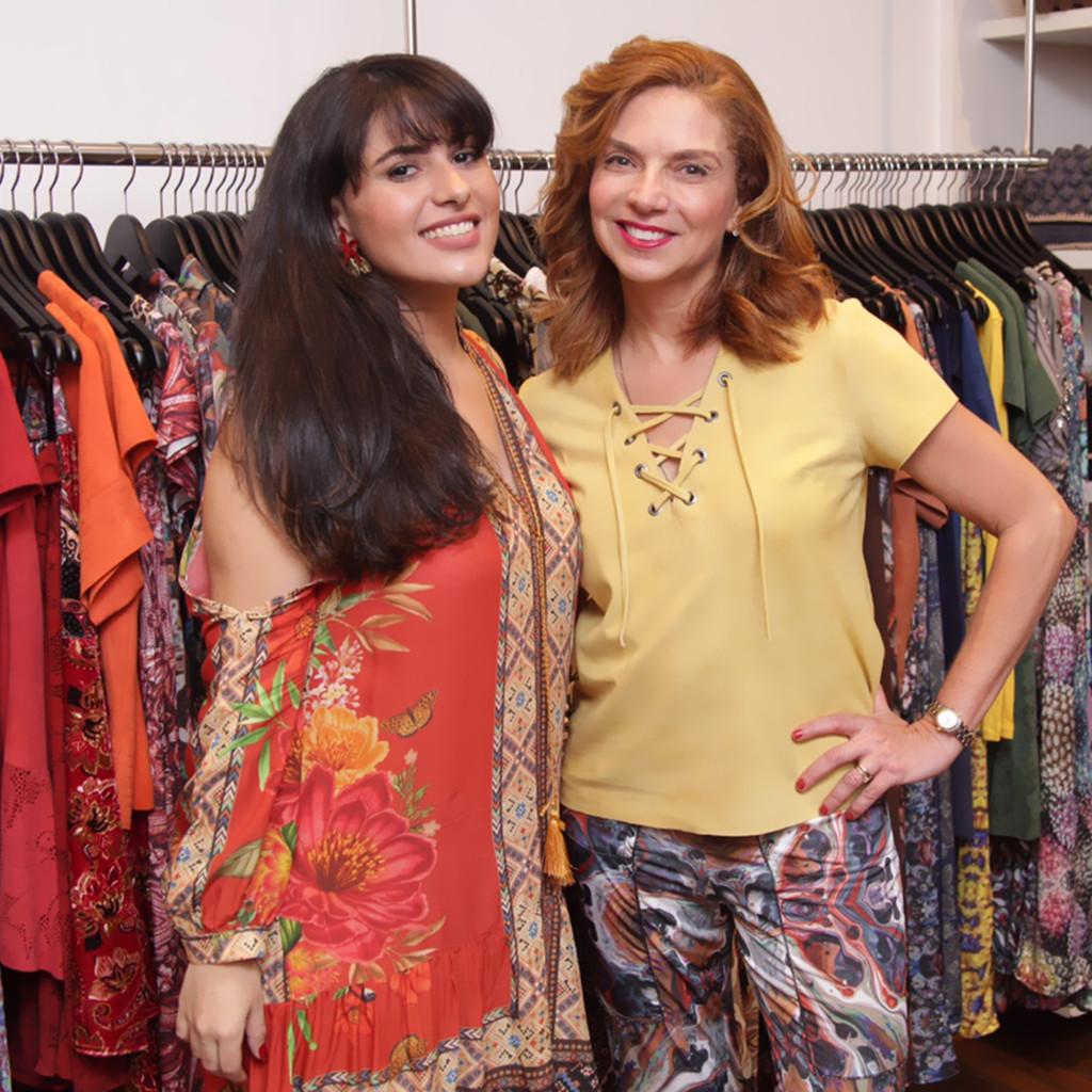 A top maquiadora Ana Cadigina , a Kaká com a designer de joias Cintia Botelho
